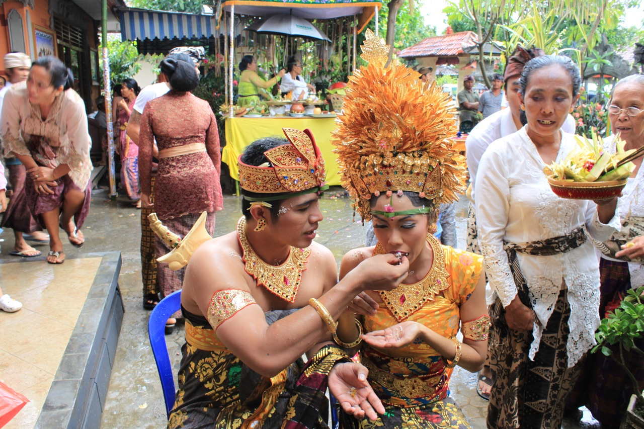 The exotic balinese wedding top indonesia holidays for Bali mariage location