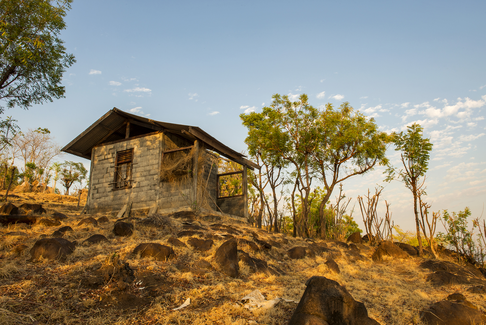 Amed - Hilltop shack early morning