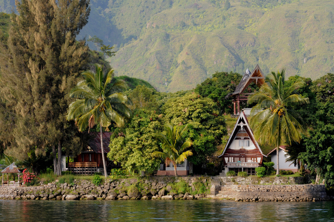 Lake Toba is resurgent caldera, meaning that land collapsed over ...