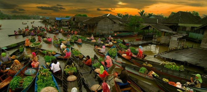 Banjarmasin Floating Market, Borneo