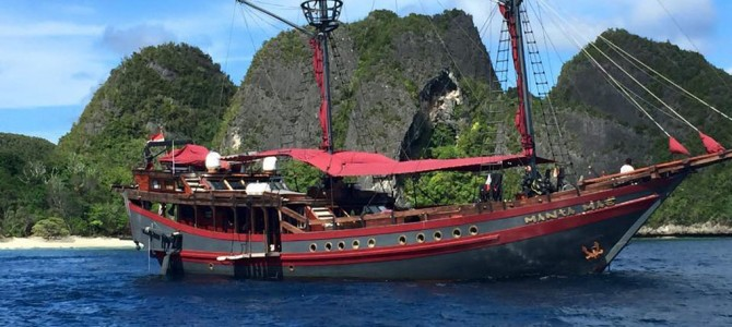 Introducing The Manta mae Phinisi Boat Charter